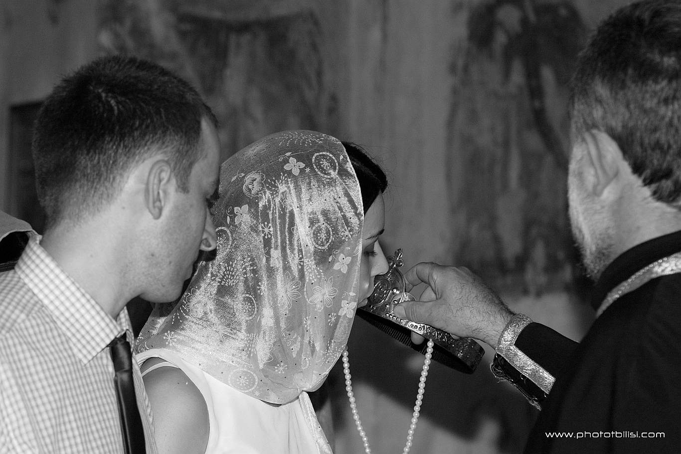wedding-in-ananouri-202K1077-003-crop