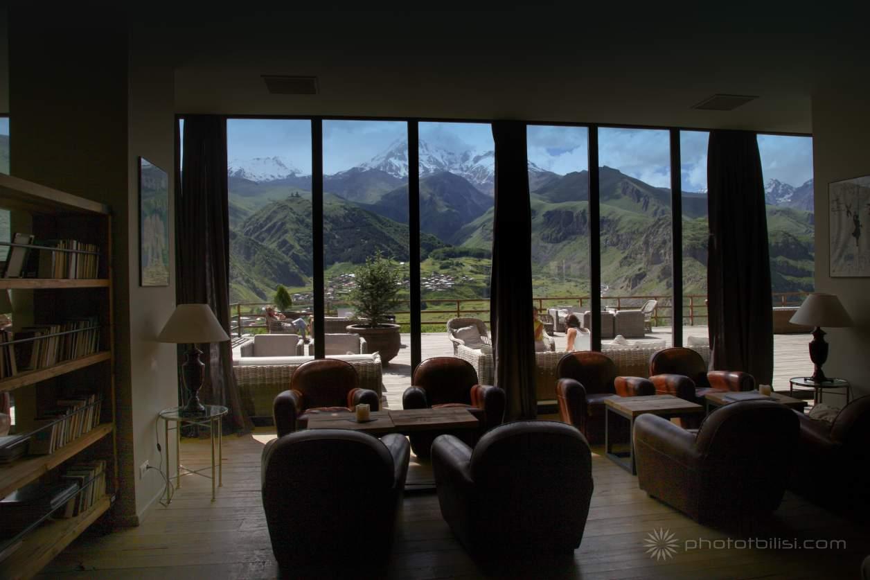 hotel-rooms-kasbegi-georgia-stepantsminda-6