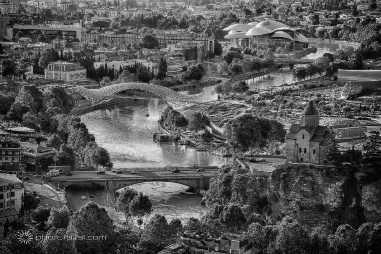 photo-tbilisi-IMG_7753-ps-hdr-b-w